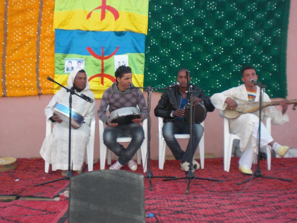 Rachi Berry le poète, l'artiste… du village au festival lalla mimouna  2012 à Mssici