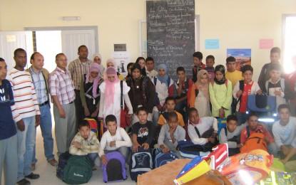Aide a la scolarisation: Distribution de fournitures scolaires aux élèves du collège IBN KHALDOUN