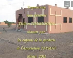 tizlit TIMMUZGHA par les enfants de TAYMAT Mssici 2011